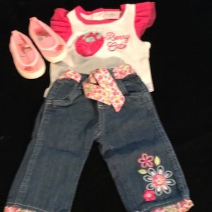 Berry cute pink and white blue Jean set.